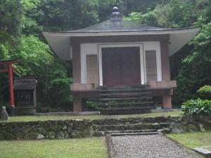 尾山釈迦堂(白山神社)